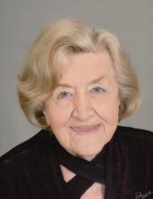 Photo of Carolyn Saunders