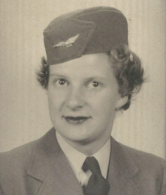 Photo of Joan Dewling