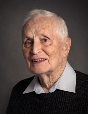 Photo of Hugh MacGillivray
