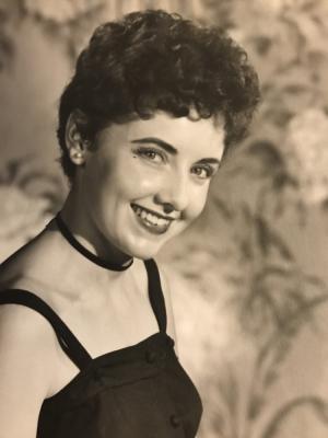 Photo of Carol Simons