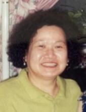 Photo of Julie Hong