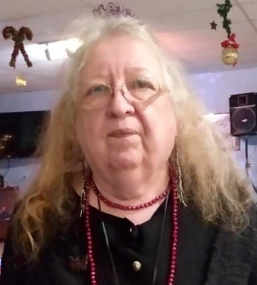 Photo of Catherine Harned