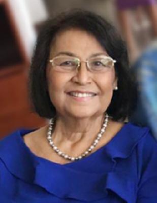 Gloria Crisostomo Flores