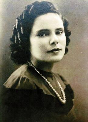Photo of Carmela Cedolin