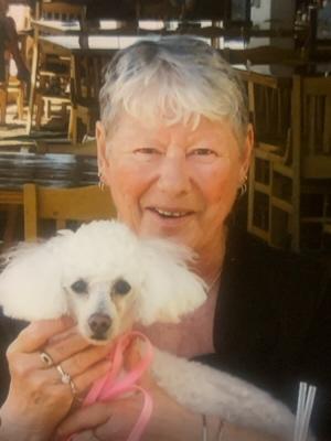 Photo of Linda Foyle