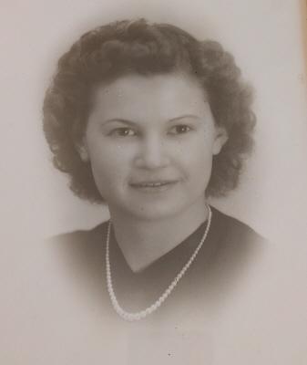 Photo of Anne Moffett