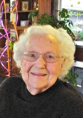 Photo of Lillian Nelson