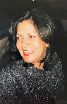 Angela Mezey