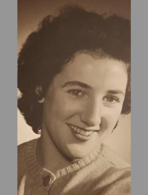 Photo of Isabel LIMER