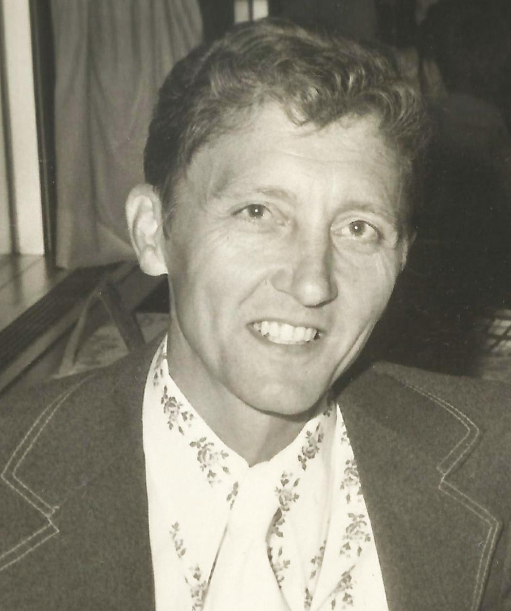 Dr. Carl Webb Obituary - Flora ...