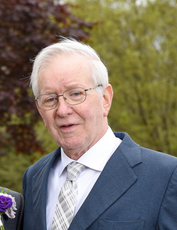Robert Elliot Stafford Obituary Visitation Funeral Information