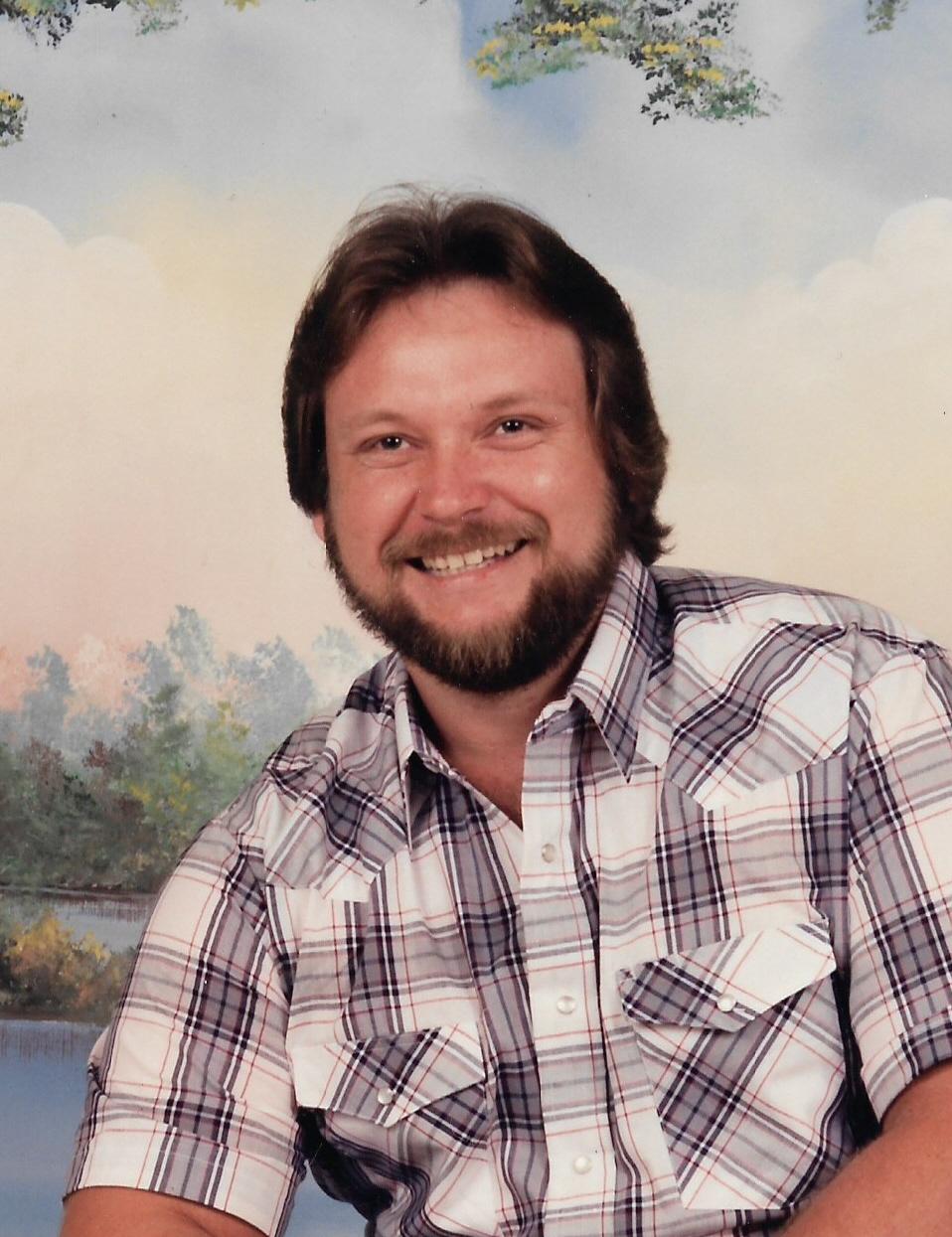 Tommy L  Lindsey Obituary - Visitation & Funeral Information