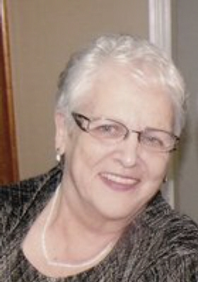 Photo of Linda Steele