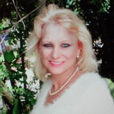 Photo of Cynthia Lear